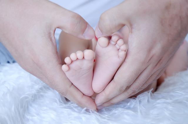 Cours de massage pour bébé Vevey, Montreux, la Tour-de-Peilz, Blonay, St-légier, Clarens, Lausanne, Pully, Cully, Lutry, Villeneuve, Aigle, Lausanne, Morges, Renens.
